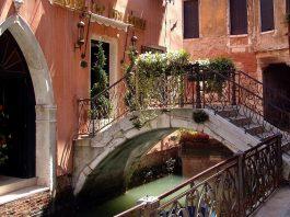 Kilka przydatnych informacji w temacie podróżowania do Wenecji